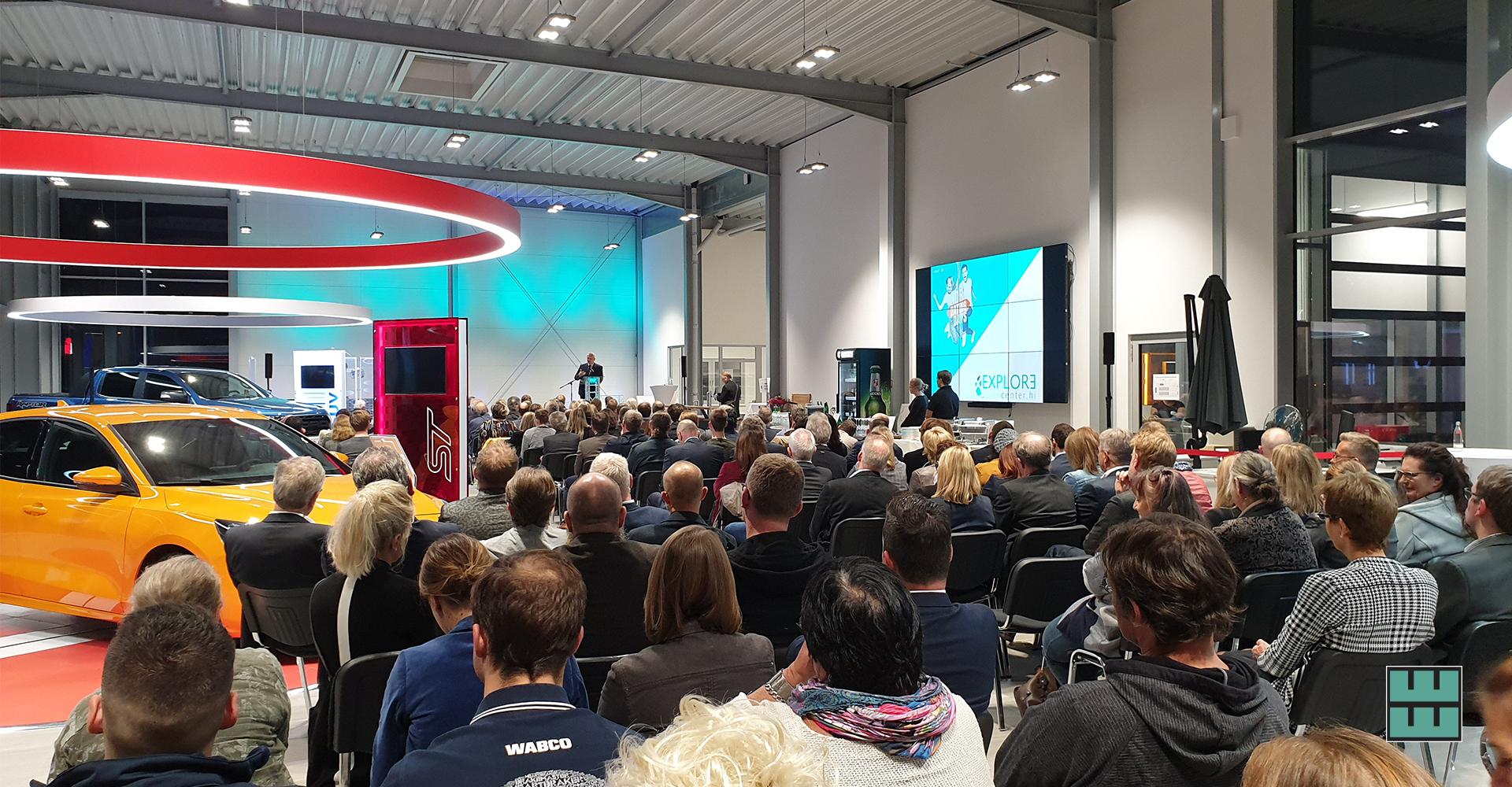 Mietmöbel für die Jobdatingdays in Alfeld Ford Delligsen Leinebergland Björn Thümler Niedersachsen Minister Wissenschaft & Kultur