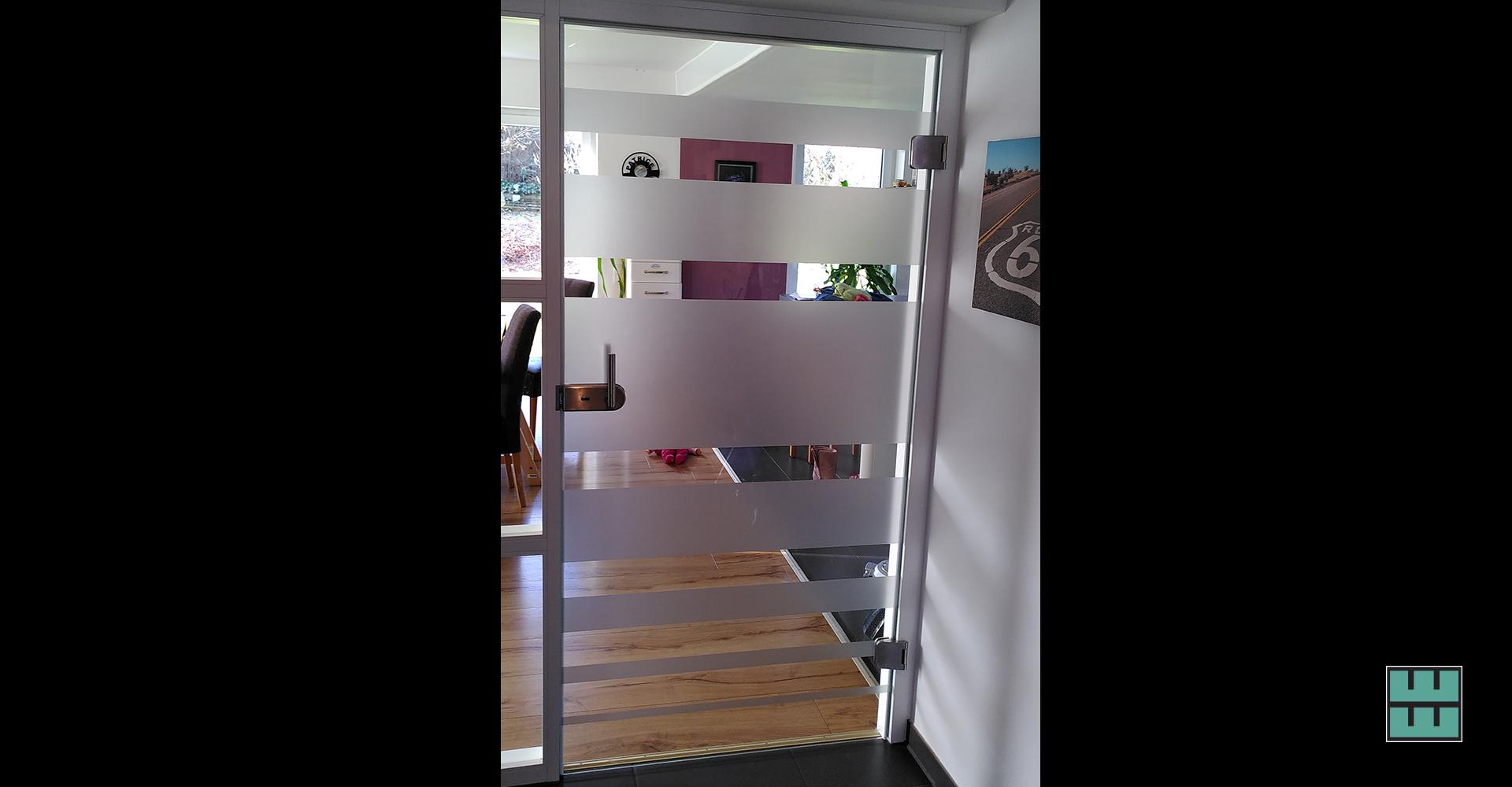 3 Ideen, wie Sie Ihr Büro oder Ihre Wohnung verschönern können Weber Werbung Delligsen Sichtschutz Glastür