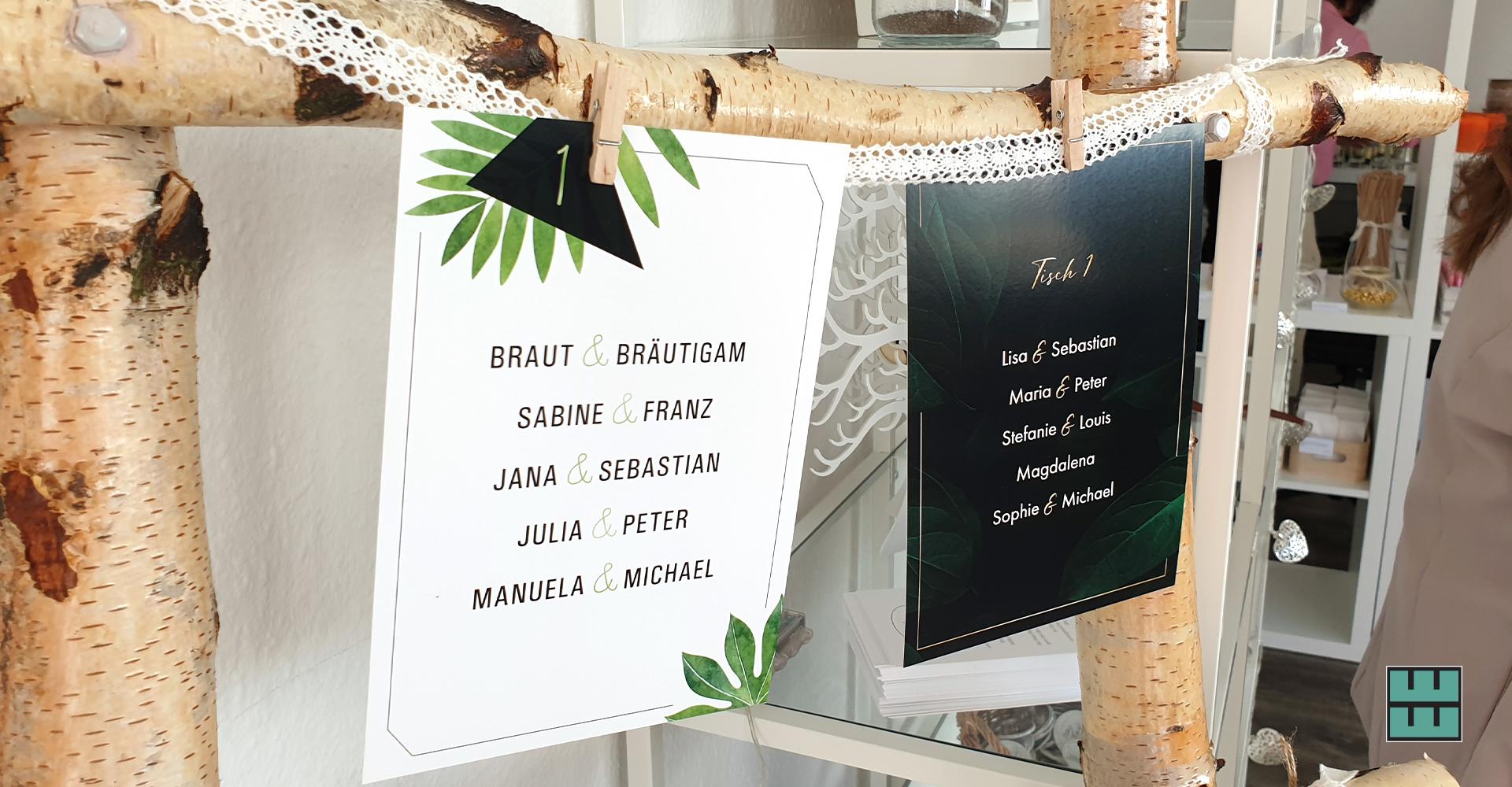 Nicht nur die KFZ- und Fensterbeklebung haben wir gestaltet und montiert - ab stellen wir im Wedding Showroom unsere Hochzeitspapeterie aus.