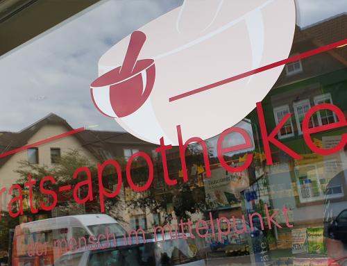 Neue Schaufensterbeklebung für Apotheke