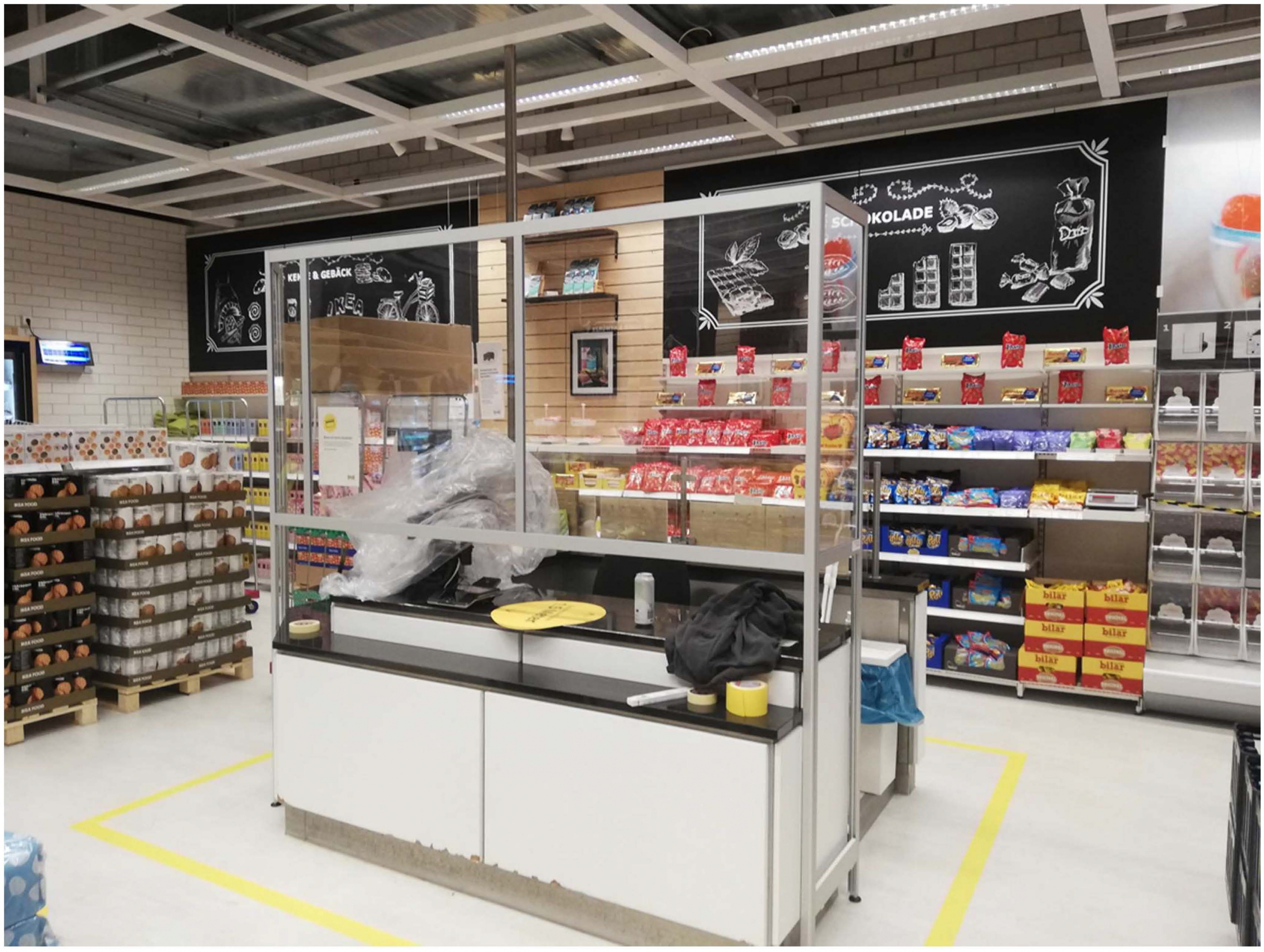 Corona Schutz: Hygieneschutzwände für Supermarkt