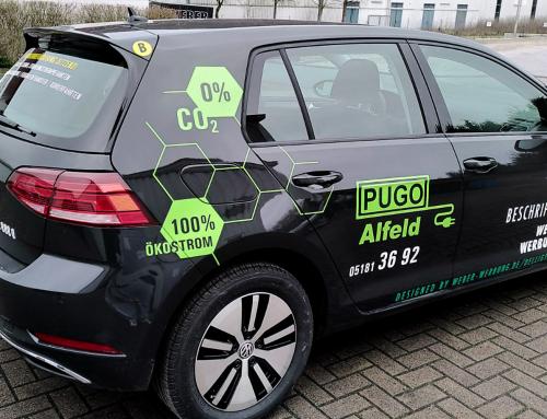 Design & Beklebung der Pugo E-Golfs