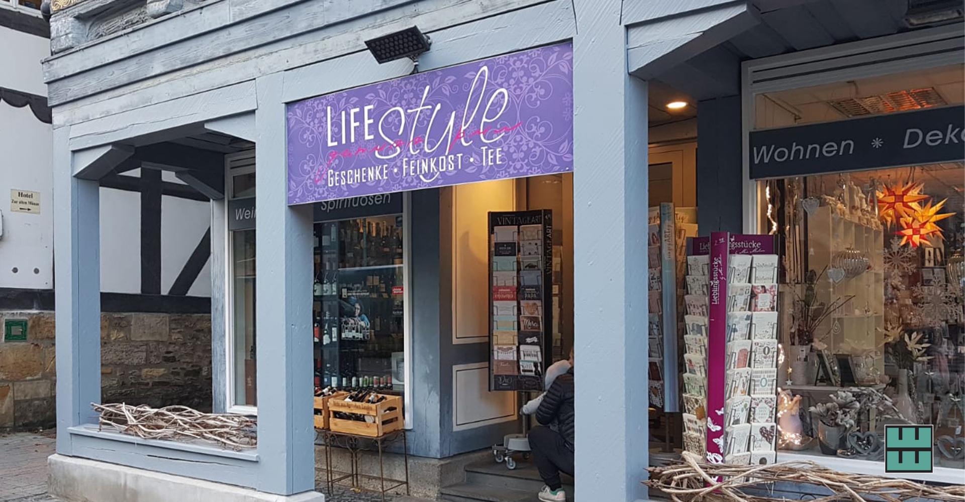 """Dieses Schild für LIFEstyle """"Genuss pur"""" in Goslar haben wir gedruckt und montiert."""